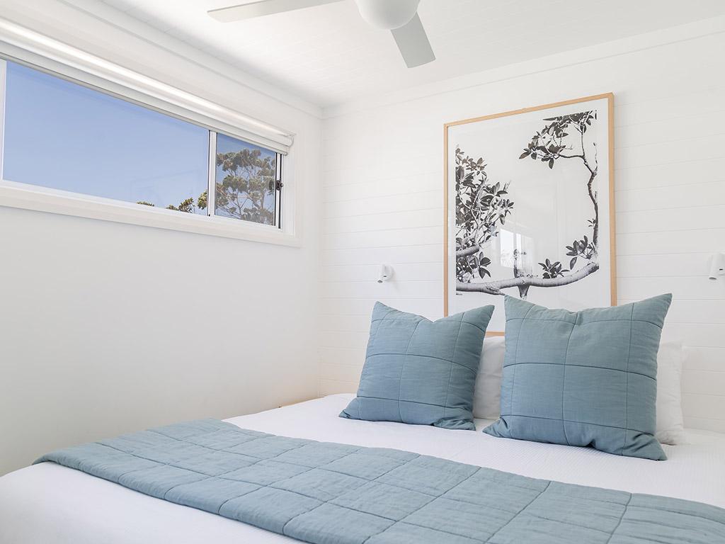 Surfside Cabin (sleeps 4) King Bed option
