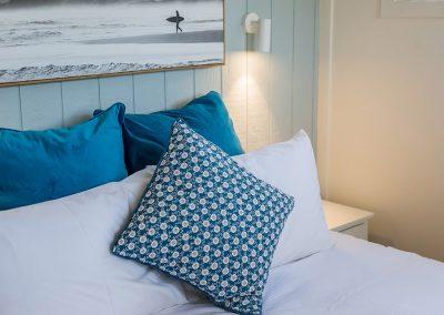 Surfside Cabin (sleeps 6) Queen bed detail