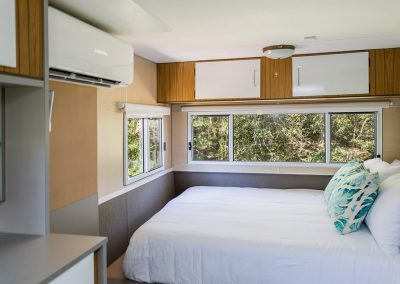 Surfside Caravan 3 Queen Bed_