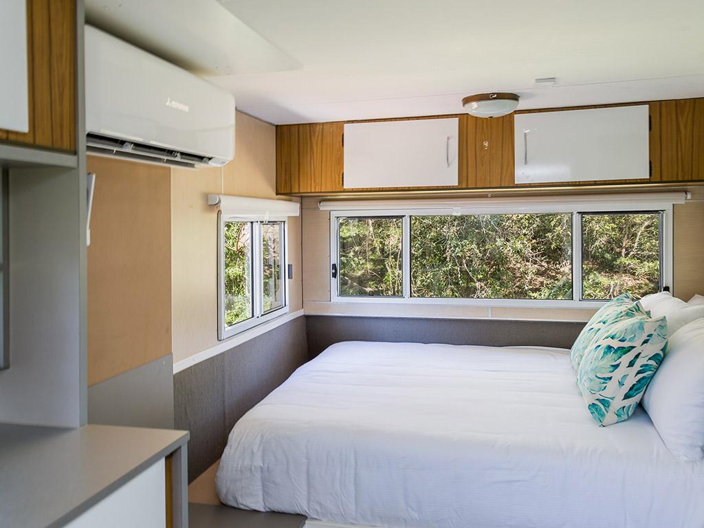 Surfside Caravan 3 Queen Bed_