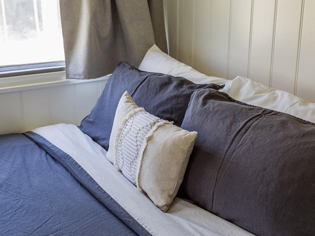 SurfsideCaravan 1 Queen bed