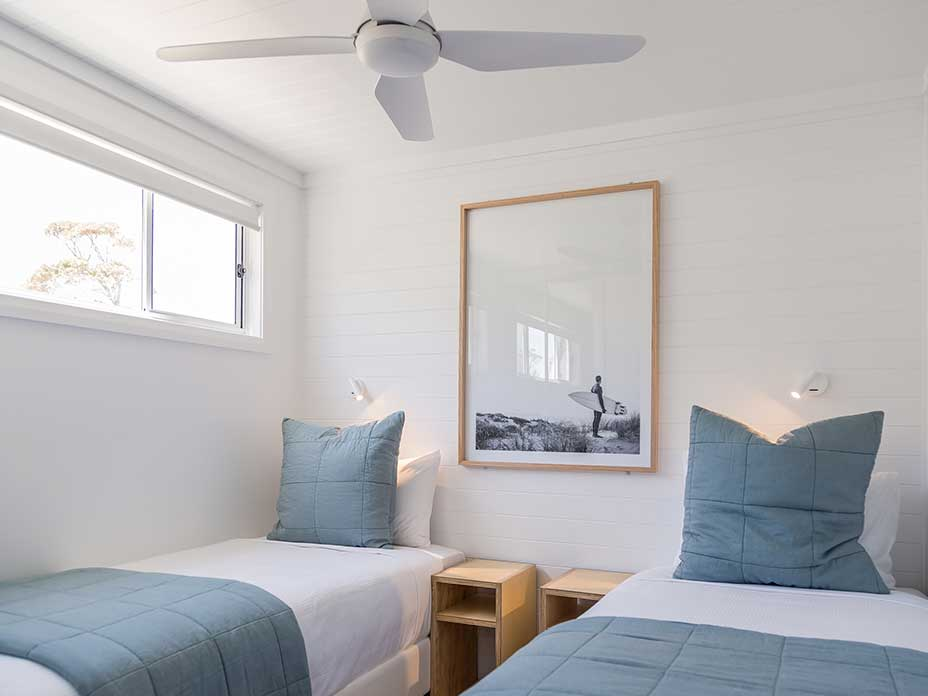 Surfside Cabin (sleeps 4) bedroom